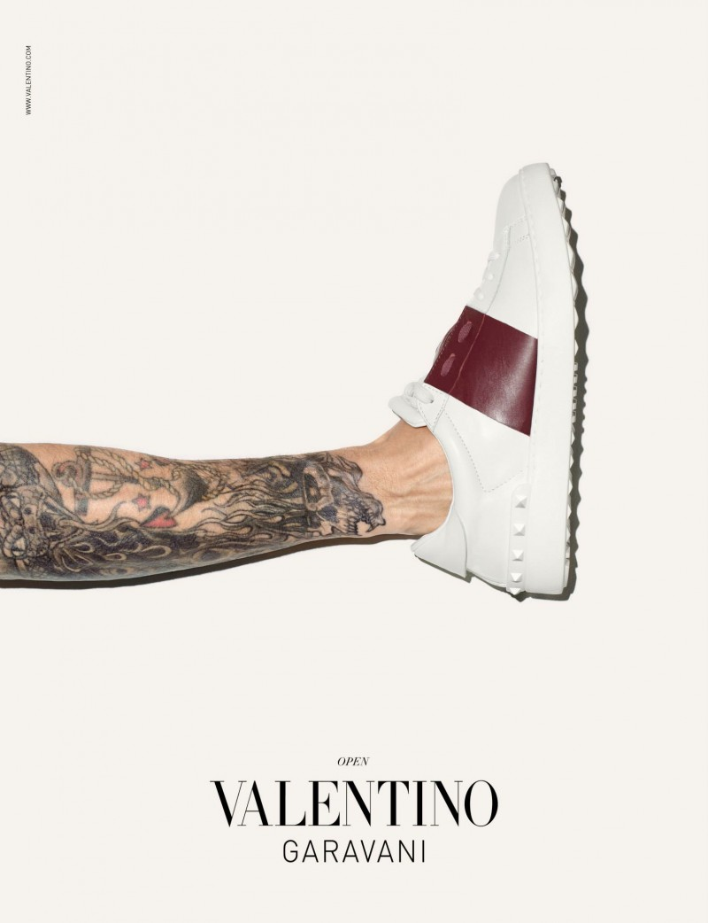 Valentino-Men-Sneakers-Campaign-Terry-Richardson-002