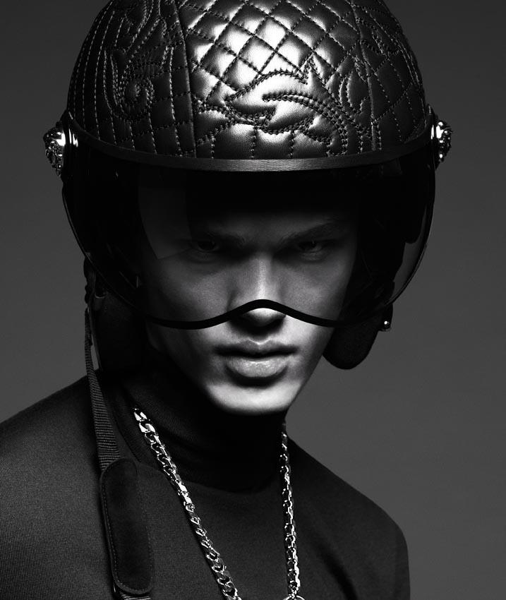 Versace-Fall-Winter-2014-Menswear-Campaign-001