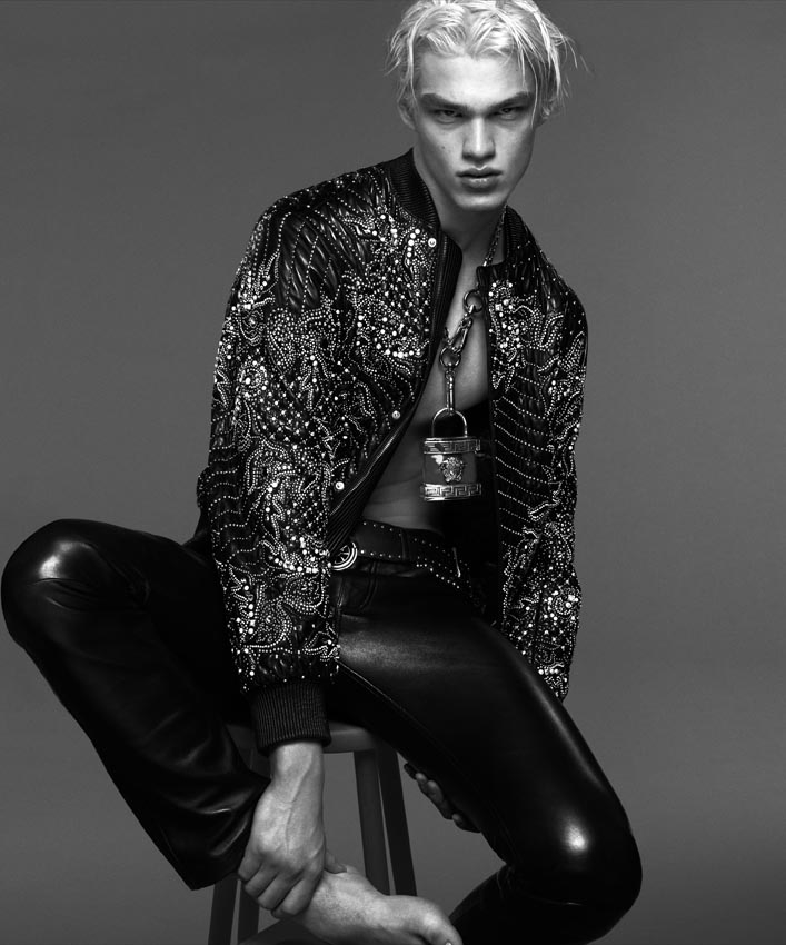 Versace-Fall-Winter-2014-Menswear-Campaign-005