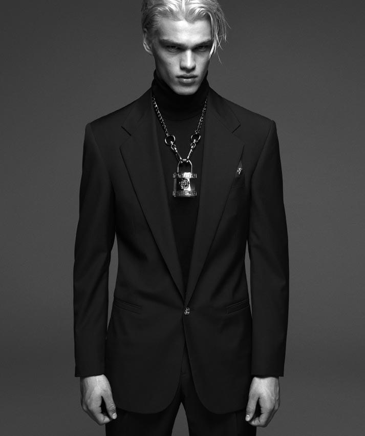 Versace-Fall-Winter-2014-Menswear-Campaign-006