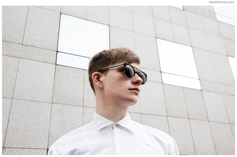 Alexander wears shirt Chevalier Homme and sunglasses Burger & Friends.