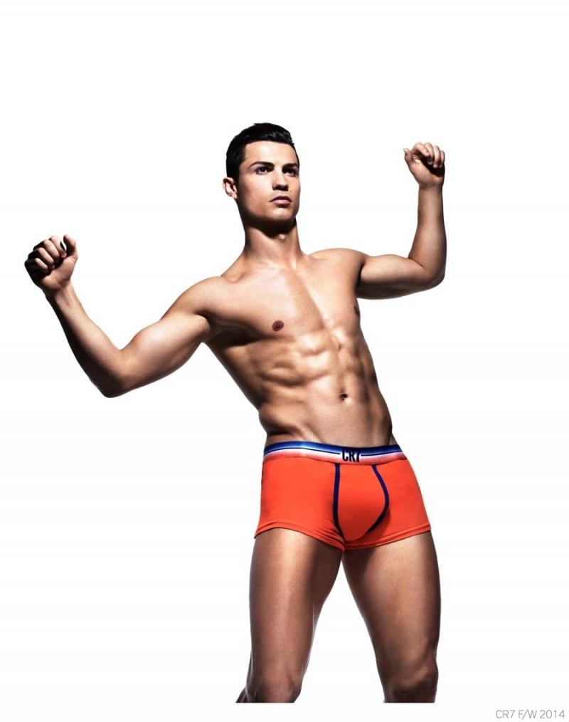 CR7-Underwear-Cristiano-Ronaldo-Fall-Winter-2014-Campaign-004