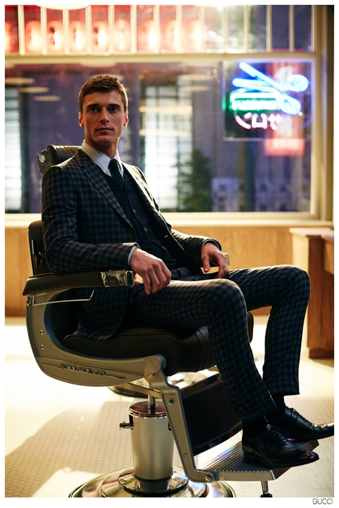 Gucci-Tailored-Suits-Clement-Chabernaud-003