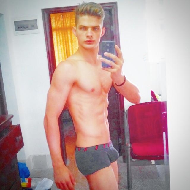 Leu Kiister shows off his gym progress.