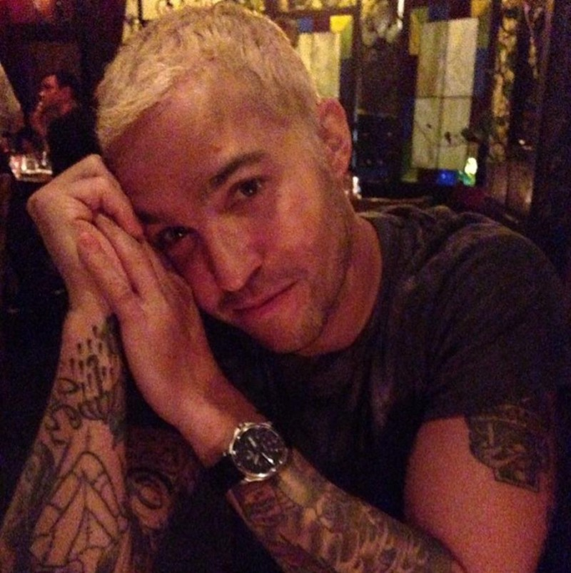 Pete Wentz shows off his new bleached do.