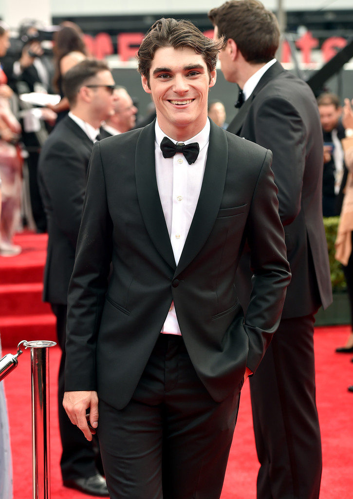'Breaking Bad' actor RJ Mitte cleans up in Giorgio Armani.