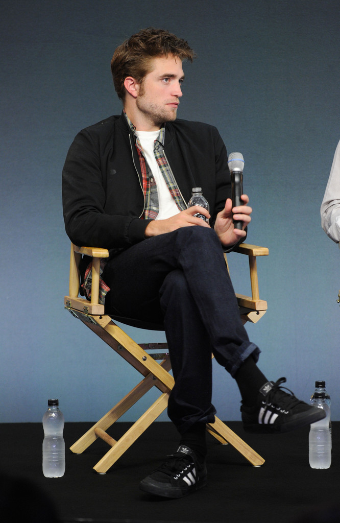 Robert Pattinson Exhibits Effortless Casual Style at 'The Rover' Event