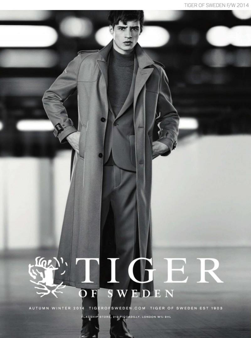 Tiger-of-Sweden-Suit-Coat-Fall-Winter-2014-Campaign-Adrien-Sahores-001