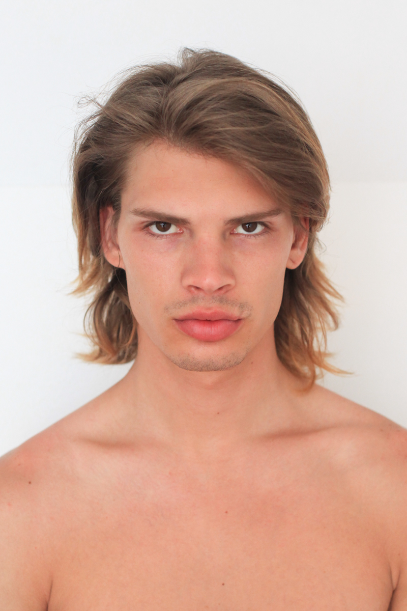 Model Minute Cameron Keesling At Q Models