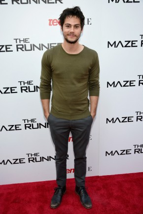 Dylan O'Brien celebrated his new movie 'The Maze Runner' with a screening hosted by Teen Vogue in New York on September 15, 2014. For the occasion, O'Brien kept it casual in a pair of slim-fit chinos paired with a GANT Rugger military green top, also known as the label's 'The Crue'.