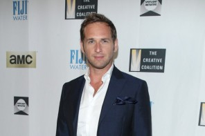 Josh Lucas suits up in a stunning navy suit number from Salvatore Ferragamo. Lucas attends The Creative Coalition's Spotlight Initiative awards dinner, held during the Toronto International Film Festival.