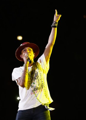 Singer Pharrell Williams was on hand for a special showcase from Italian lingerie brand Intimissimi, featuring its fall 2014 collection. Pharrell was the main attraction, taking to the stage in a graphic t-shirt and beaded jewelry to perform his hit single 'Happy'.