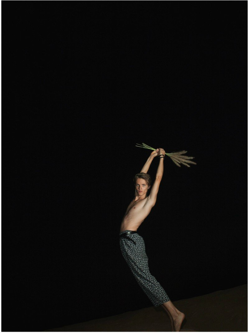 Yaniv-Lubimchik-2014-Model-Photos-004-800x1104