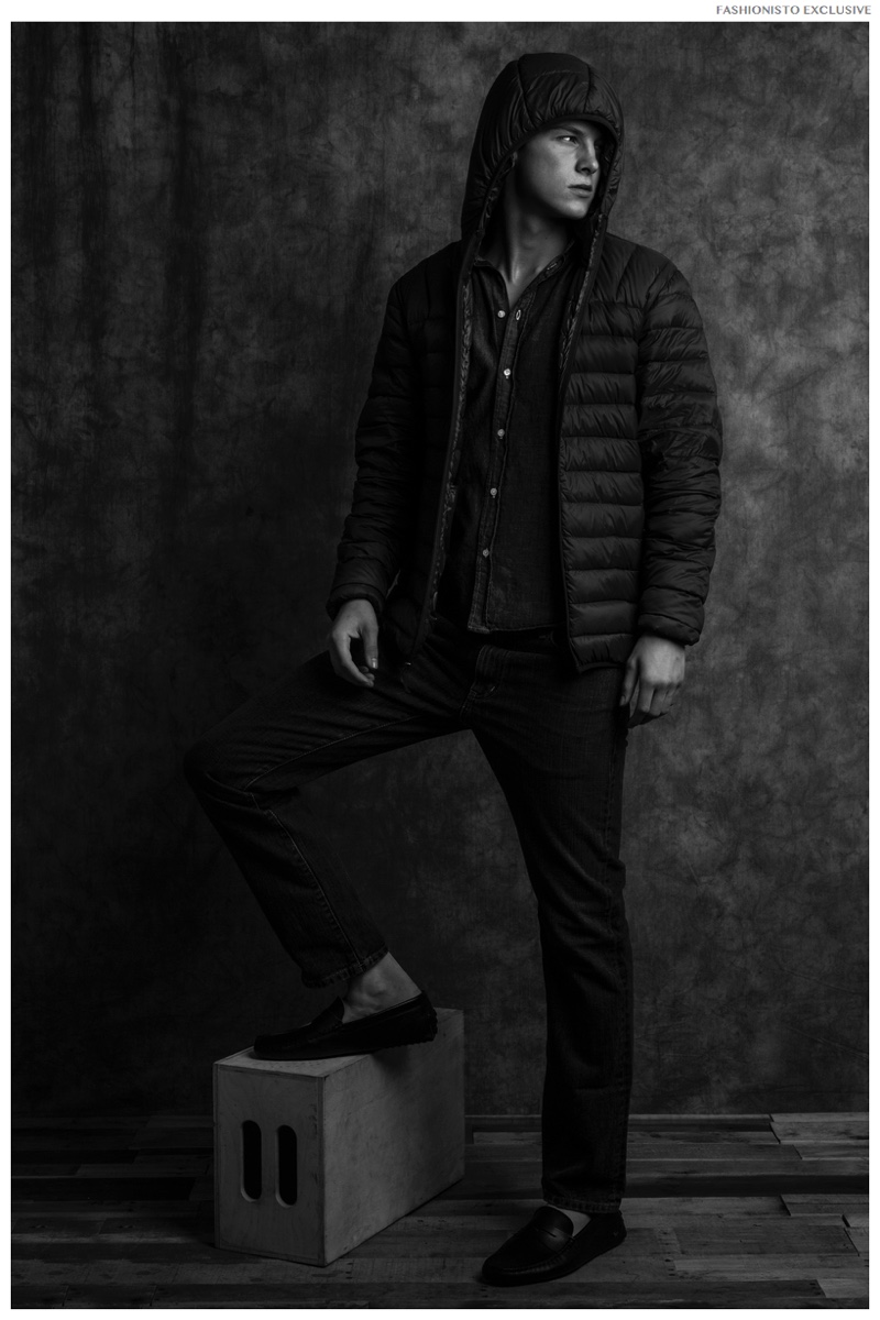 Ben wears top Frank & Eileen, jeans Eddie Bauer, jacket Hawke & Co and shoes Lacoste.