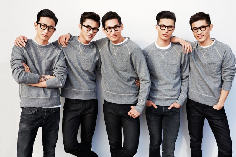 Photographed by Chiun-Kai Shih, models Sung Jin Park, Zhao Lei, Jae Yoo, Dae Na and Daisuke Ueda pose in gray pullovers, black frames and slim-cut denim jeans for the October 2014 issue of GQ Taiwan.