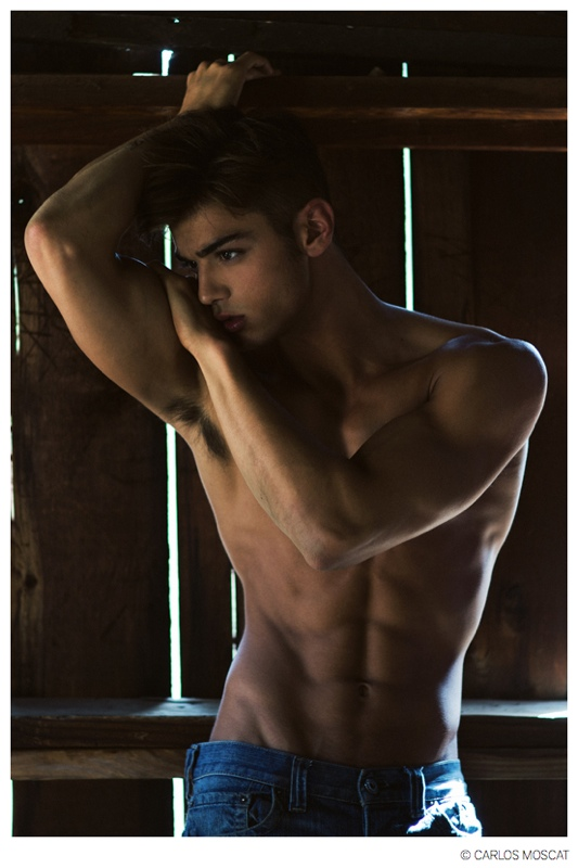 Scott-Gardner-Model-2014-Photo-010