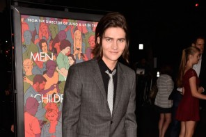 Attending the September 30th Los Angeles premiere of 'Men, Women & Children', actor William Peltz cleaned up in a dapper tonal windowpane suit, cut slim and paired with a black dress shirt.
