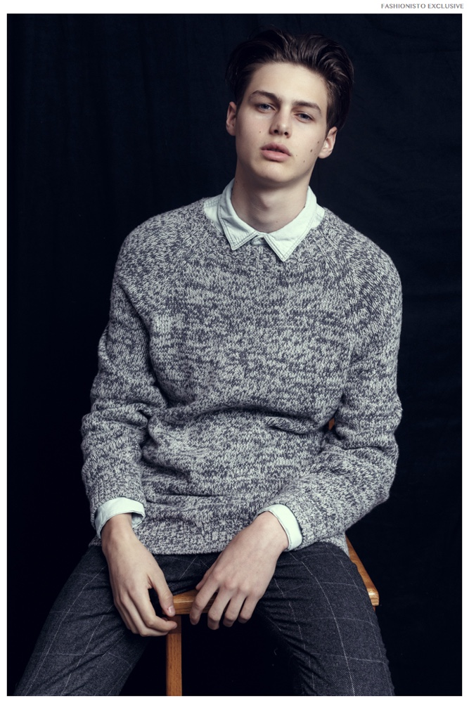 Darwin wears sweater Vince, trousers and denim shirt H&M.
