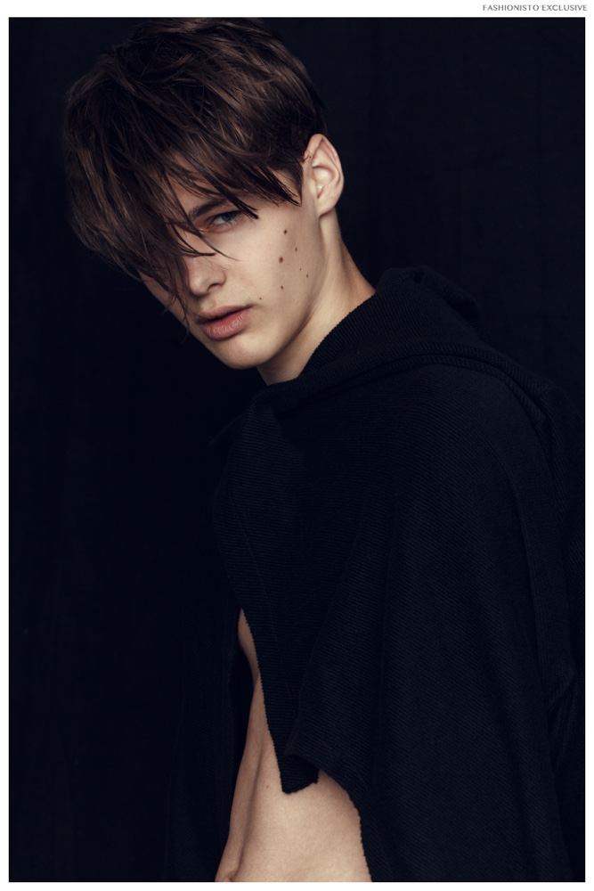 Fashionisto Exclusive: Darwin Gray by Joan Michel