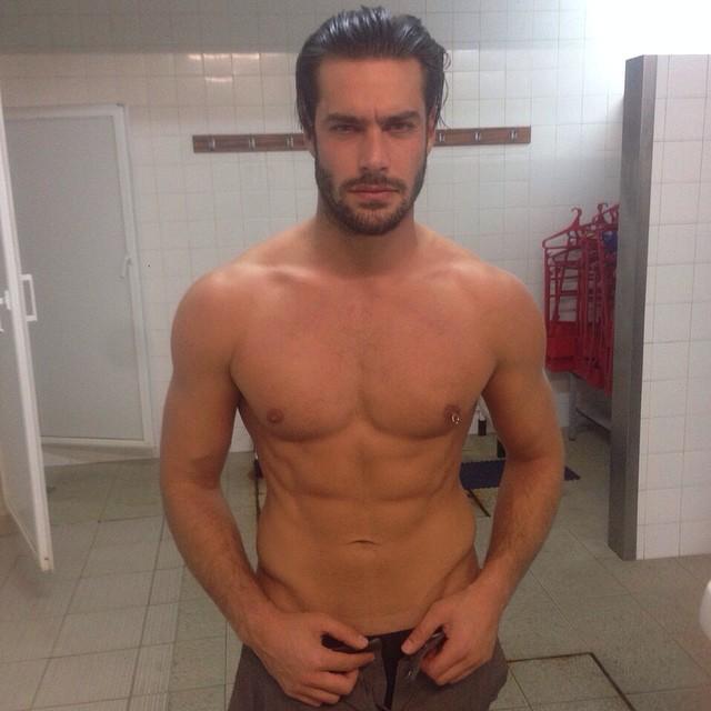 Goncalo Teixeira hits the gym.