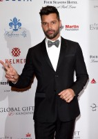 Stepping out for the 5th Global Gift Gala on November 17th in London at the Four Seasons Hotel, singer Ricky Martin was dapper in black tuxedo and bow-tie from Italian fashion label Giorgio Armani.