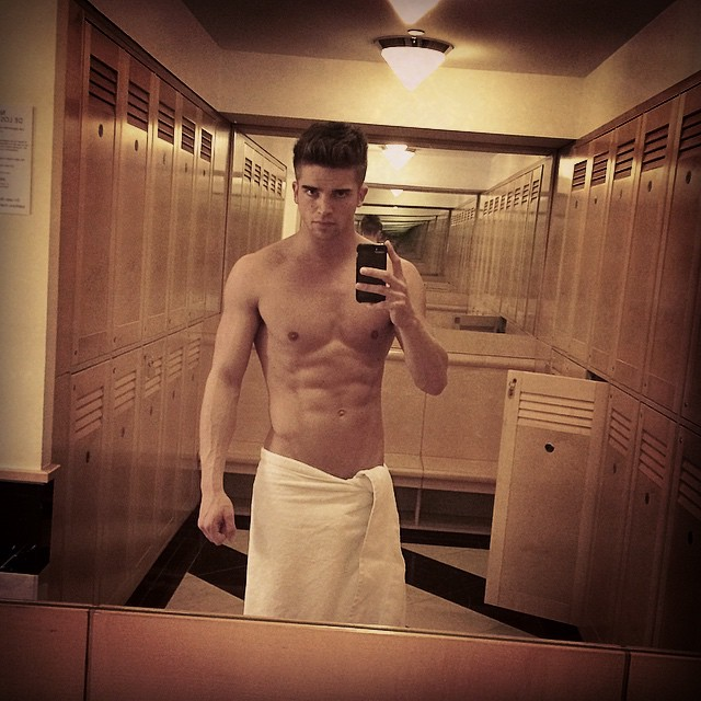 River Viiperi hits the gym.