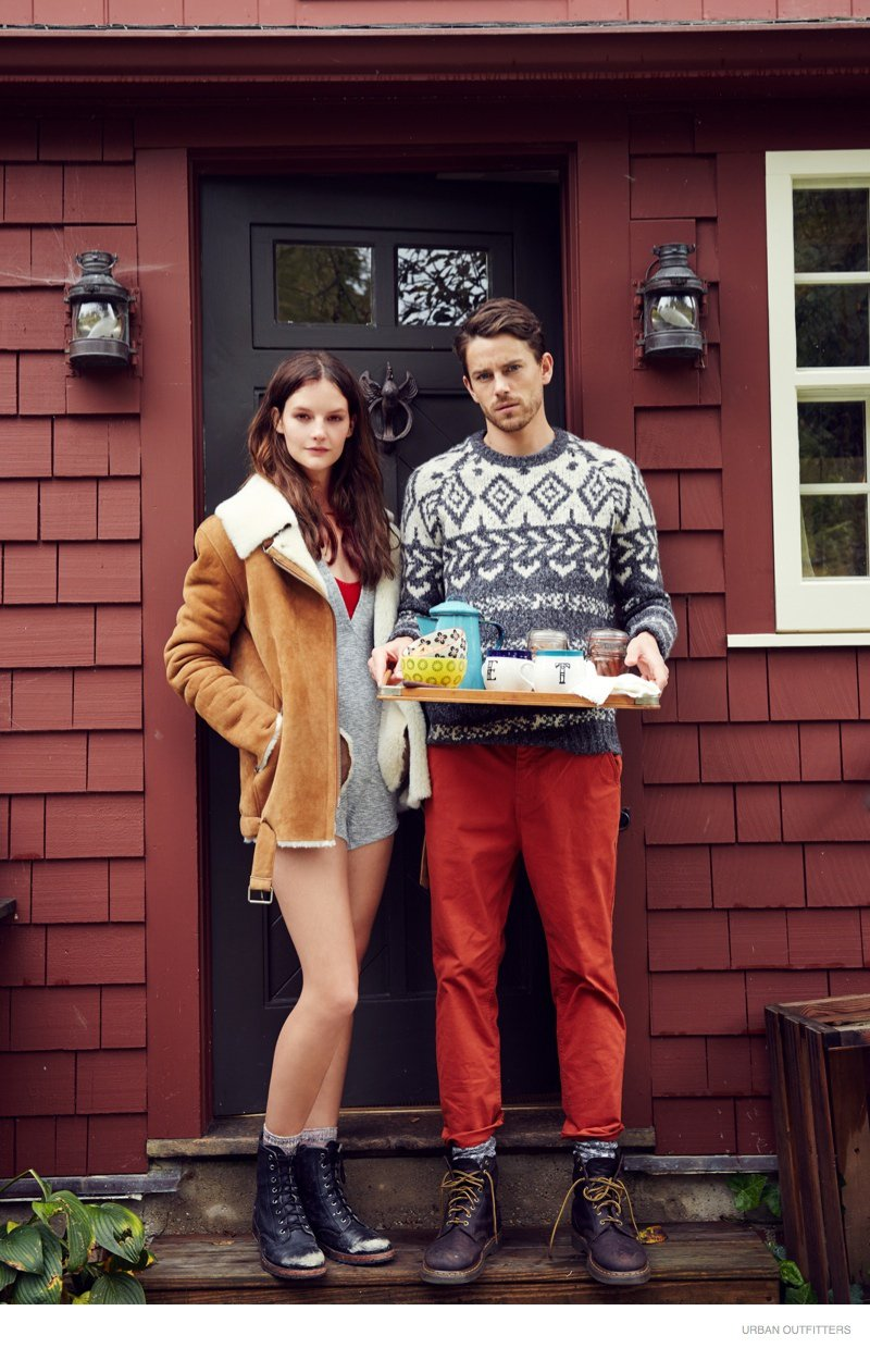 Jeremy Young & Wife Celebrate Holidays with Urban Outfitters