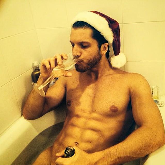 Alexei Reyes takes a Christmas soak