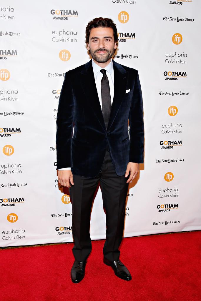 Oscar Isaac Wears Ermenegildo Zegna Velvet Jacket to Gotham Independent Film Awards
