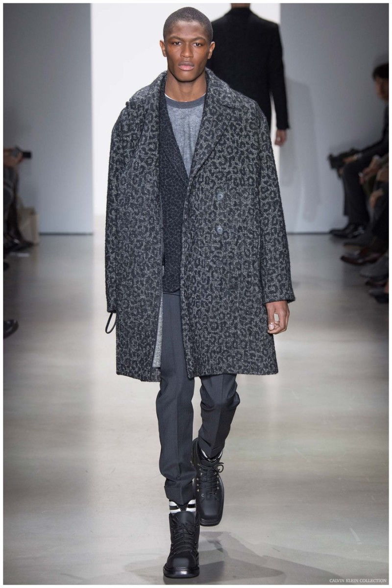Calvin Klein Collection Fall-Winter 2015 Menswear Collection. Creative director for Calvin Klein Collection menswear, Italo Zucchelli is best when revisiting classics with smart subtleties.  Offering a quiet take on animal prints, Zucchelli delivered successful tonal prints.