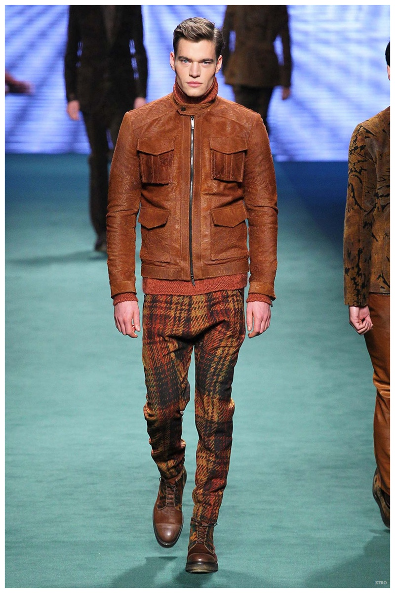 Etro Fall/Winter 2015: 3-D digital prints are all the rage for Etro's latest outing. Embracing rich autumnal hues, plaid makes a welcomed appearance with great trouser styles.