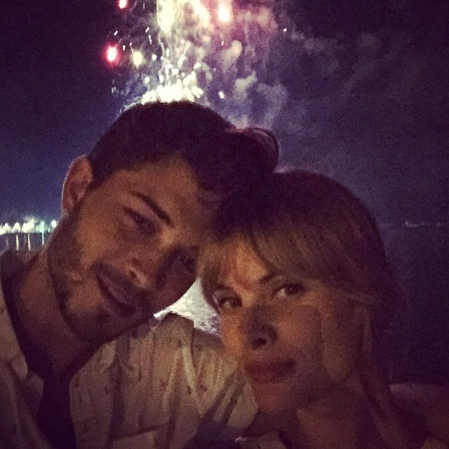 Francisco Lachowski brings in the new year with his wife
