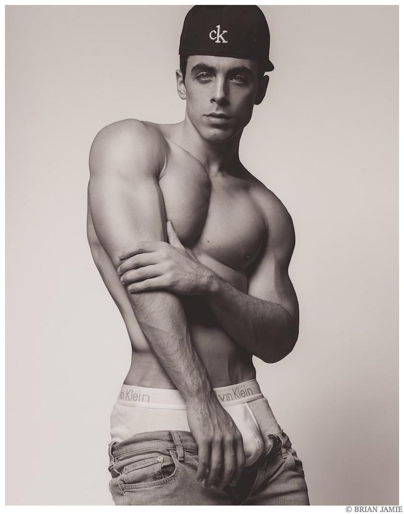 mark-wahlberg-nude-in-underwear