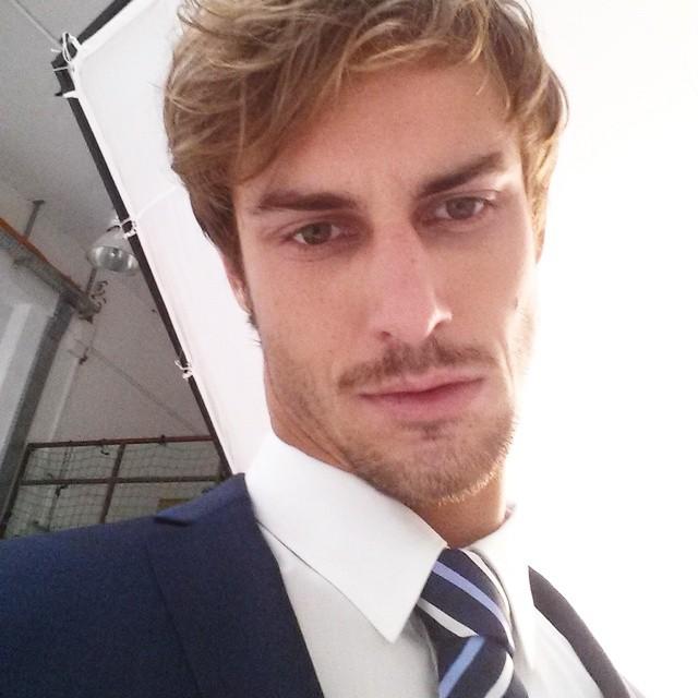 Henrique Hansmann suits up for a new shoot.
