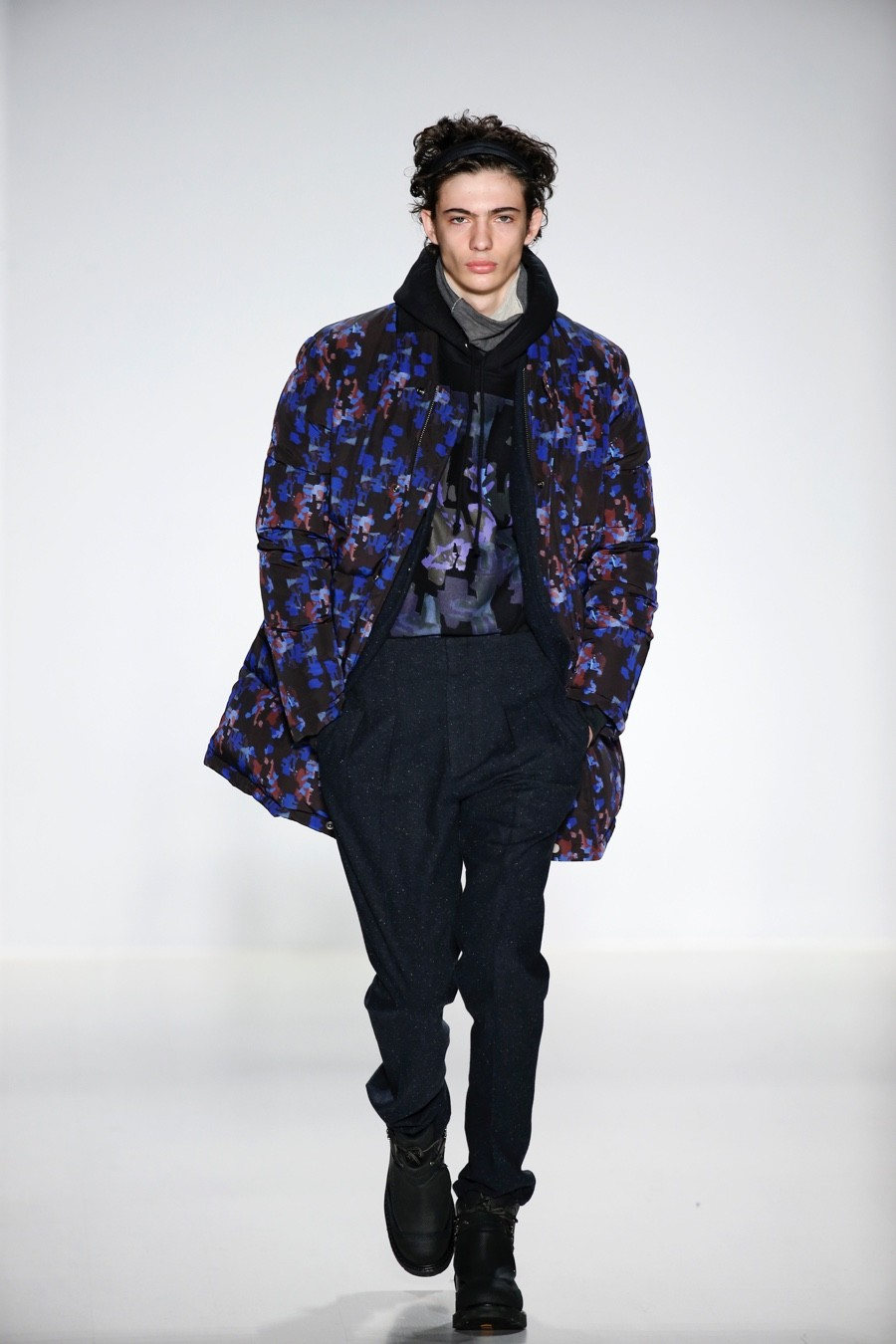 Richard Chai Embraces 90s Inspired Downtown Cool Styles for Fall/Winter 2015 Menswear Collection