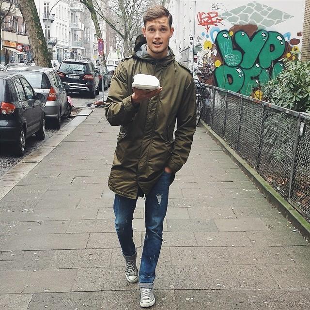 Stefan Pollmann goes on a stroll for vegan cupcakes