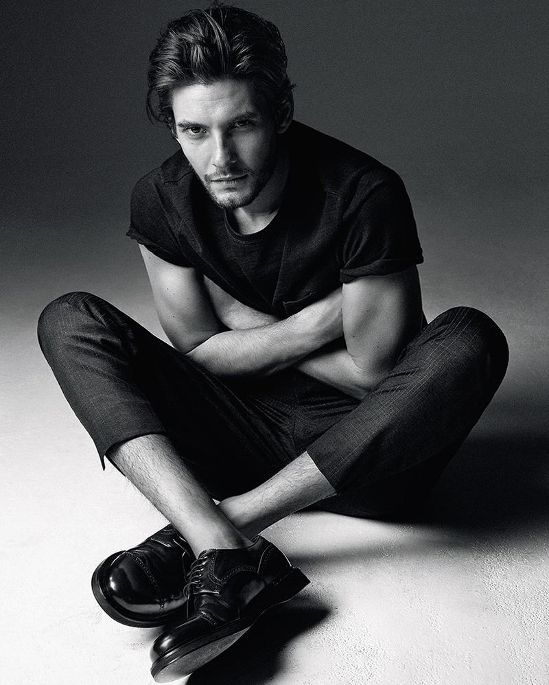 Ben Barnes goes casual in slim trousers and a plain t-shirt.
