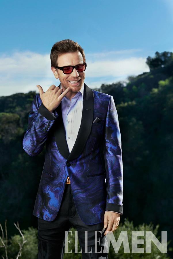Ewan McGregor is all smiles in a splashy tuxedo number.