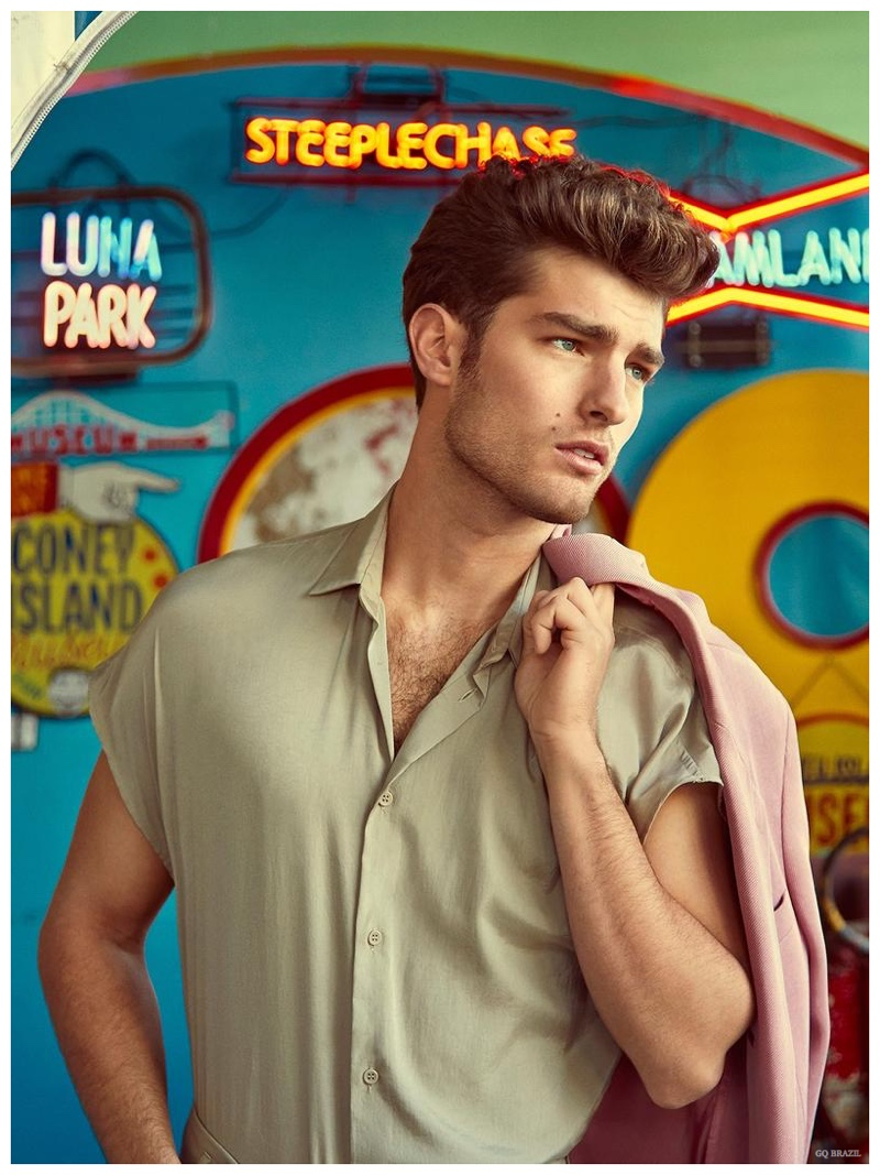 Paolo Anchisi delivers a retro cool in a short-sleeve shirt.
