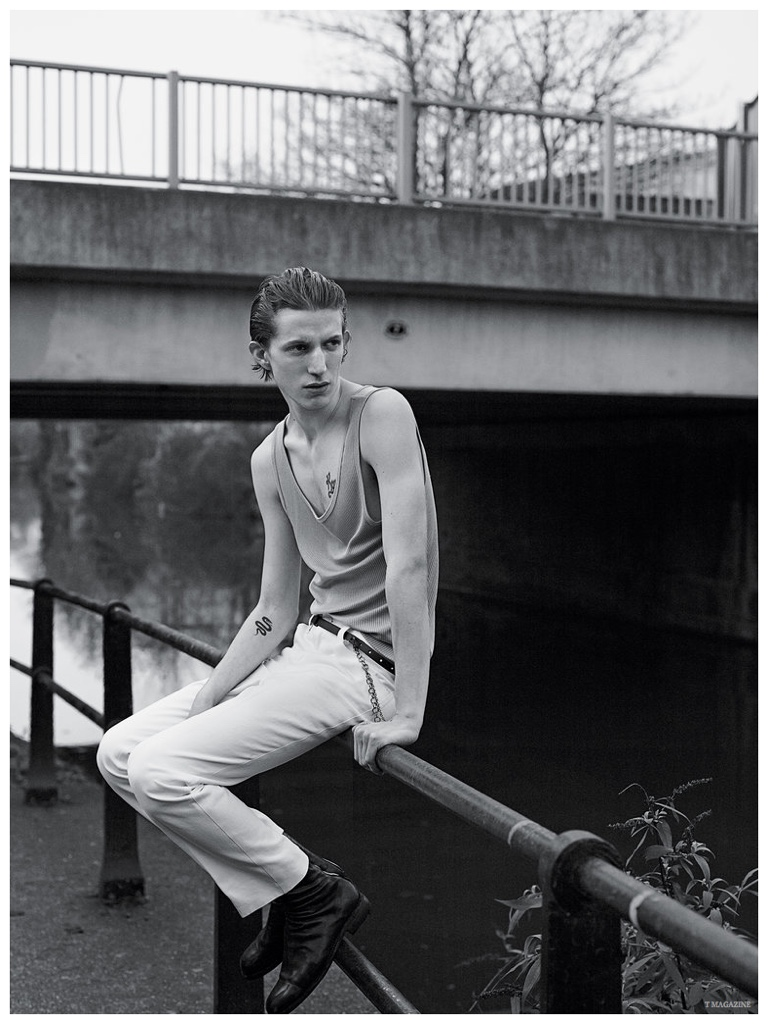 Xavier Buestel embraces an androgynous look with a spring look from Italian label Gucci.