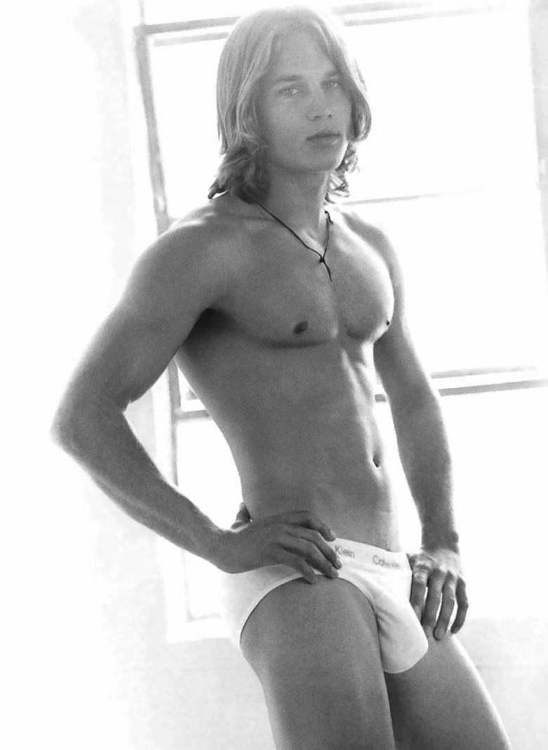 Before his role on Vikings, Travis Fimmel was stopping traffic in 2001 Calvin Klein Underwear campaign images. It may be hard to recognize him without his now signature facial hair.