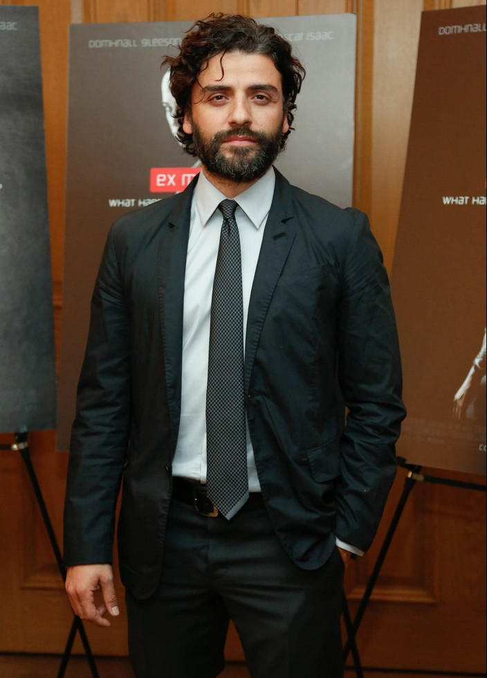 Oscar Isaac suits up for the New York premiere of Ex Machina.
