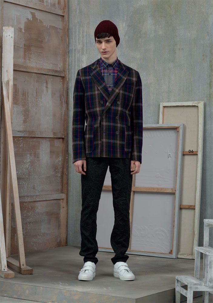 Frankie Morello Fall/Winter 2015: The Italian label turns to workwear for its inspiration this season. The results include a chic take on plaid, dressing shirts and jackets!