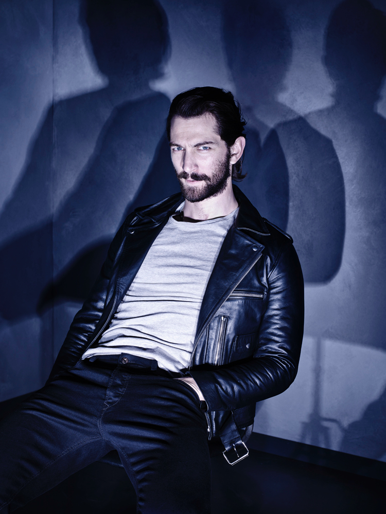 Michiel Huisman Plays It Cool for Interview Photo Shoot