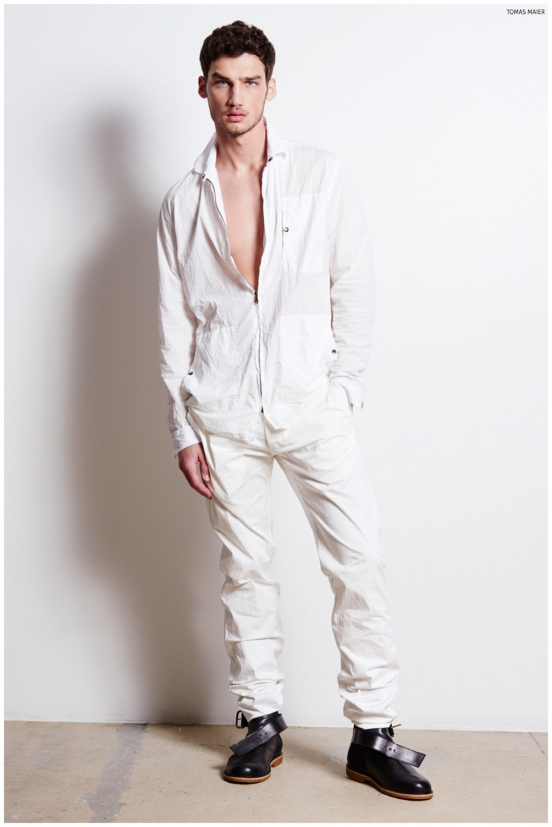 It's a white out as Misa wears a simple, sophisticated ensemble.