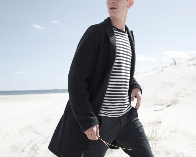 Vincent hits the beach in a nautical inspired number.