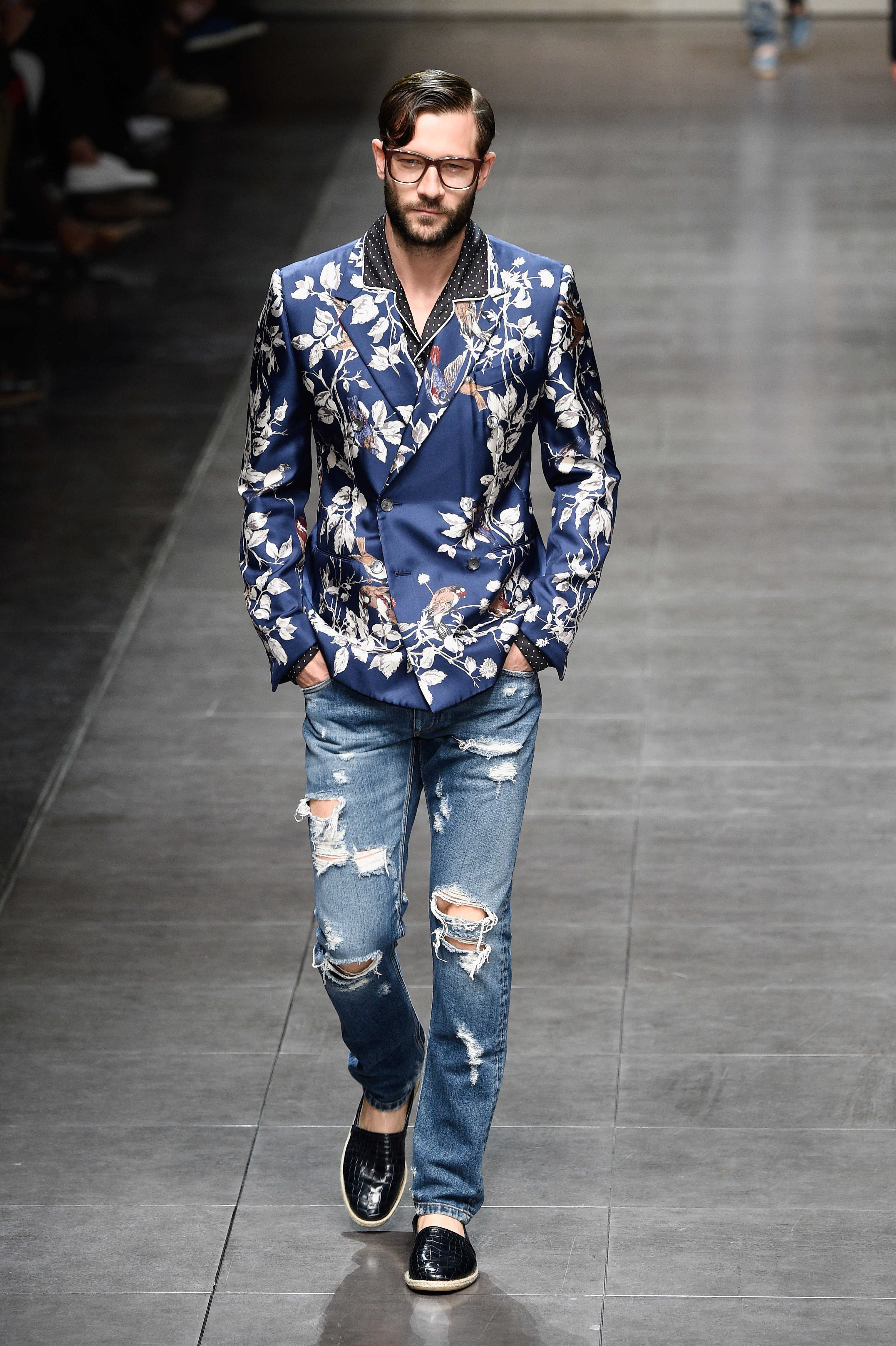 Dolce   Gabbana Spring Summer 2016 Menswear Collection  7df0c722ac1