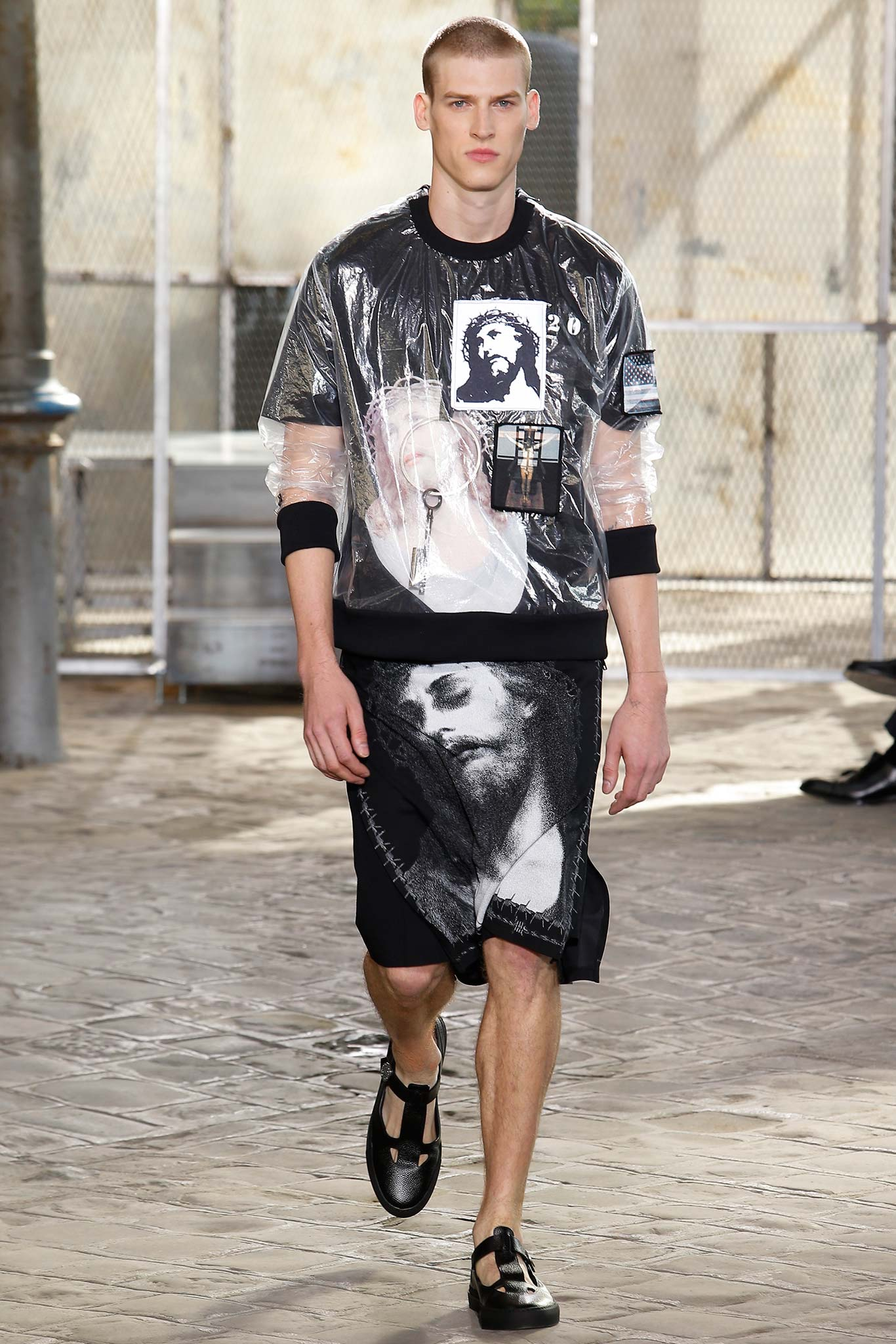 givenchy springsummer 2016 menswear collection paris