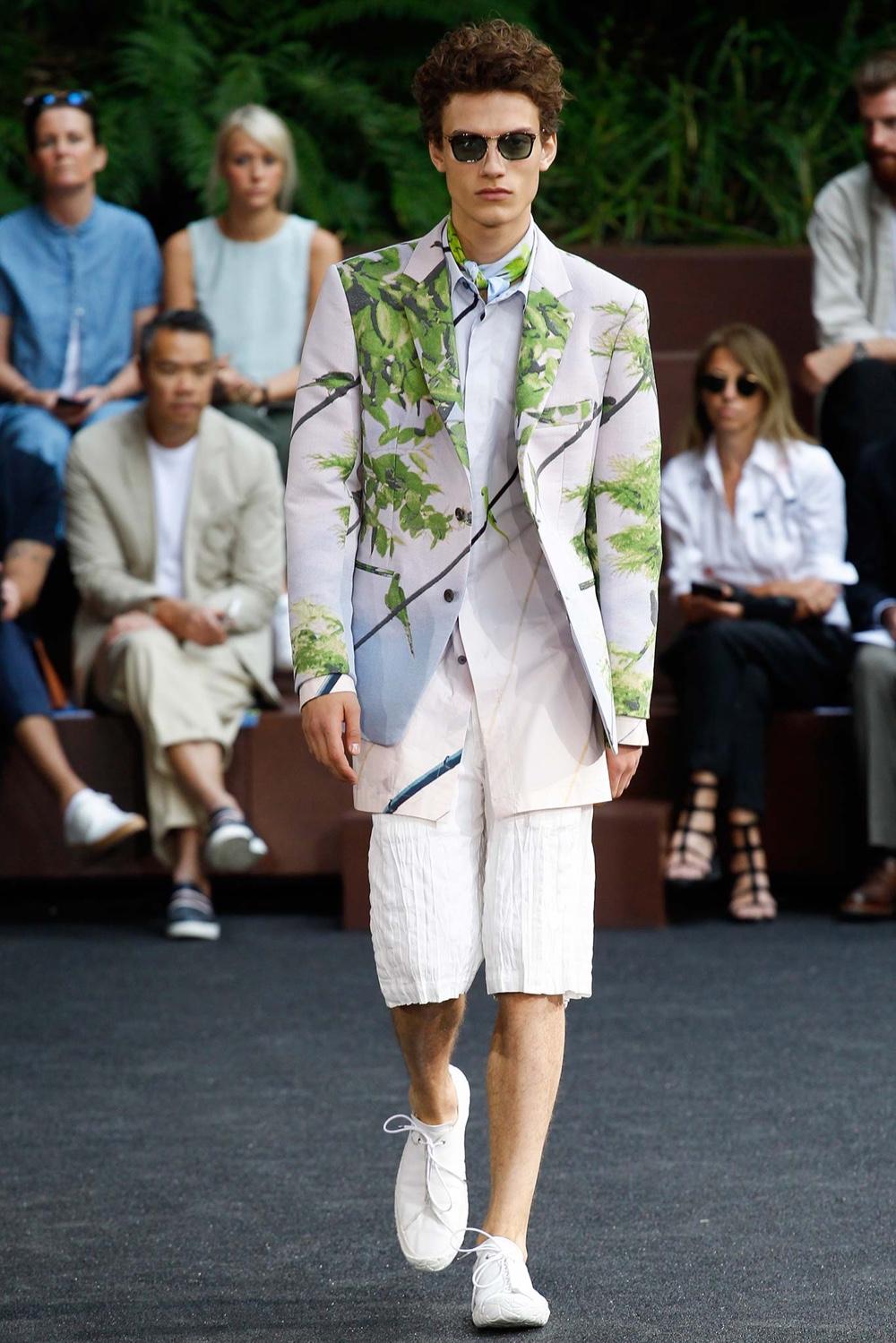 Issey Miyake Spring/Summer 2016 Menswear Collection   Paris Fashion Week