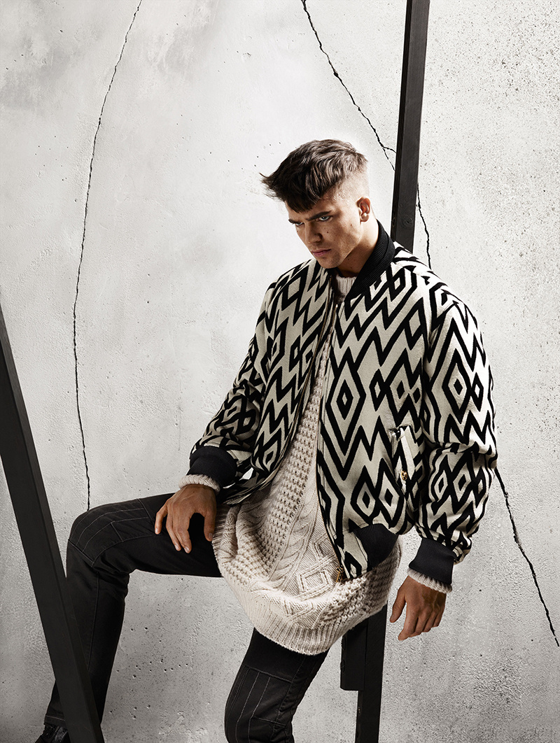 River Viiperi Goes Graphic for Versace Fall 2015 Campaign
